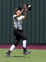 Archer City centerfielder Maeley Herring makes catches