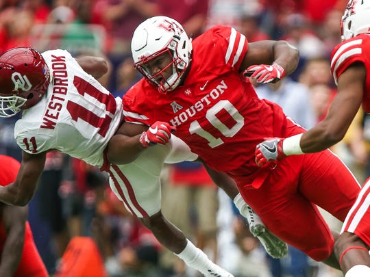 Houston Cougars defensive tackle Ed Oliver (10) has