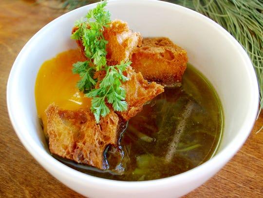 Peninsula: Braised rabbit in garlic broth with Piment