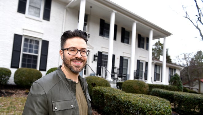 Danny Gokey's Bed and Breakfast in Brentwood