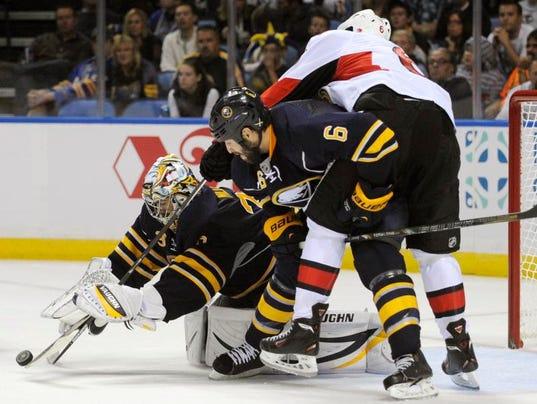 senatorssabreshockey.jpg