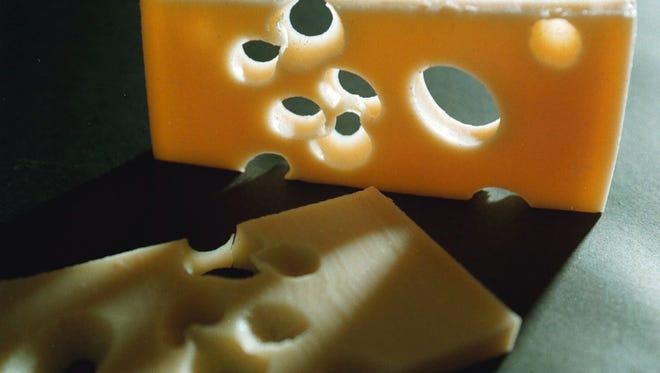 """Farm consultant Dieter Harle presented the seminar """"Why do Swiss cheese makers report fewer or no holes?"""" at the 2017 WPS Farm Show.based on feedback from farmers and cheesemakers on the differing quality of milk used to make cheese."""