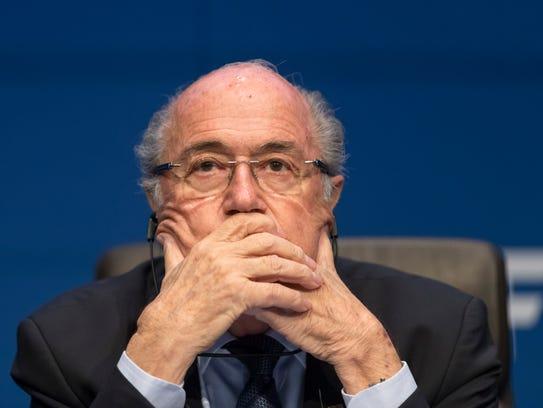 Joseph Blatter, presidente de la FIFA, podría ser suspendido