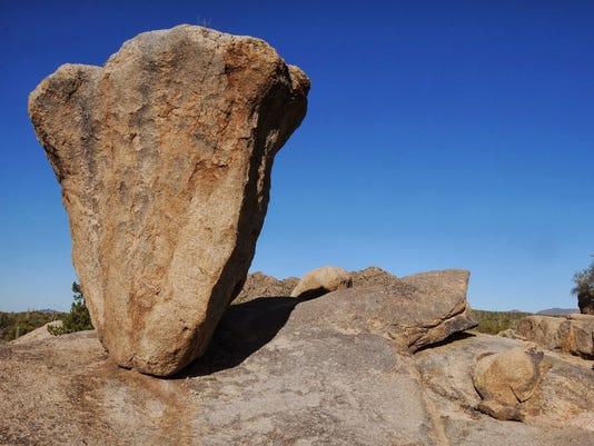 hike of the week balanced rock in scottsdale