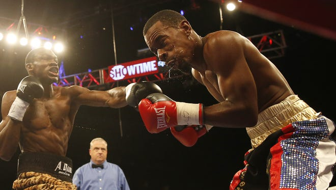 Jamontay Clark (15-1-1, 7 KOs) fights Terrell Gausha (21-2-1, 10 KOs) of Cleveland in the first fight of Saturday's triple-header at the Mohegan Sun on Showtime (9 p.m. ET).