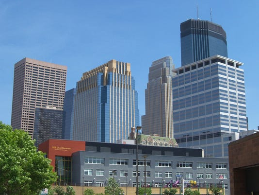 Minneapolis_skyline_20.JPG