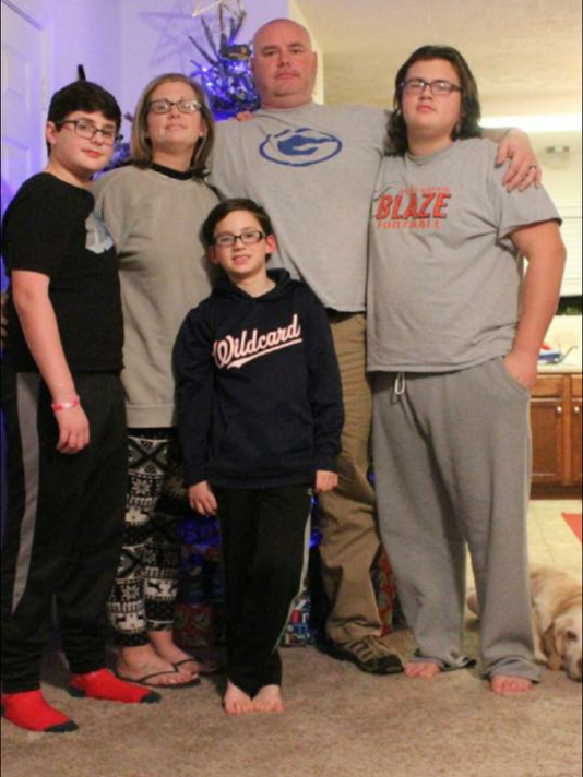 636191467438584768-Brown-family.png