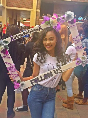 Daisha McGowen spreading awareness to the students of Florida State University during Union Wednesday for National Epilepsy Awareness Month in November. Photo: Ta'Jee Sanders