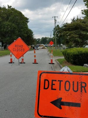 Detour signs. File photo