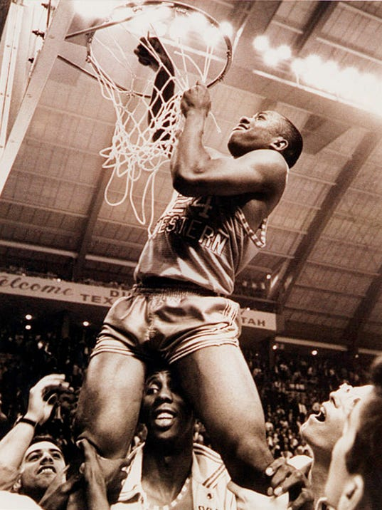 1966 TWC Nets come down