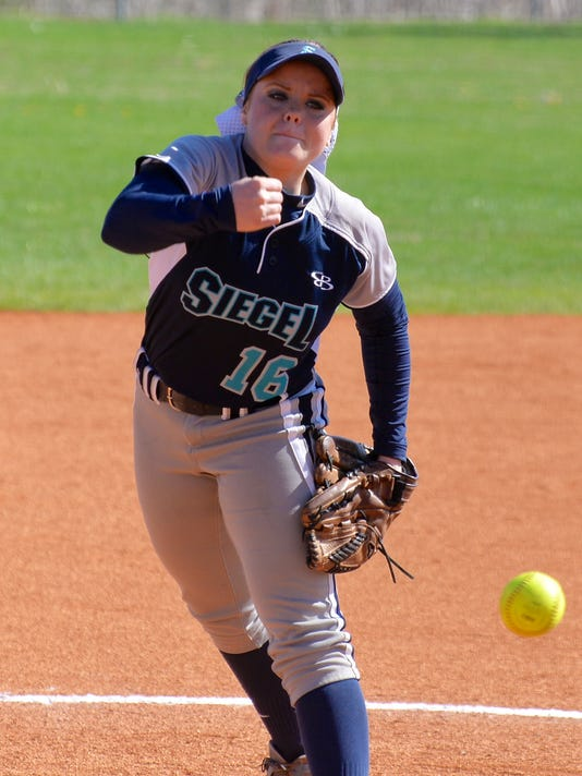 635947907578079688-MUR-SPORTS-siegel-softball5-0329.jpg