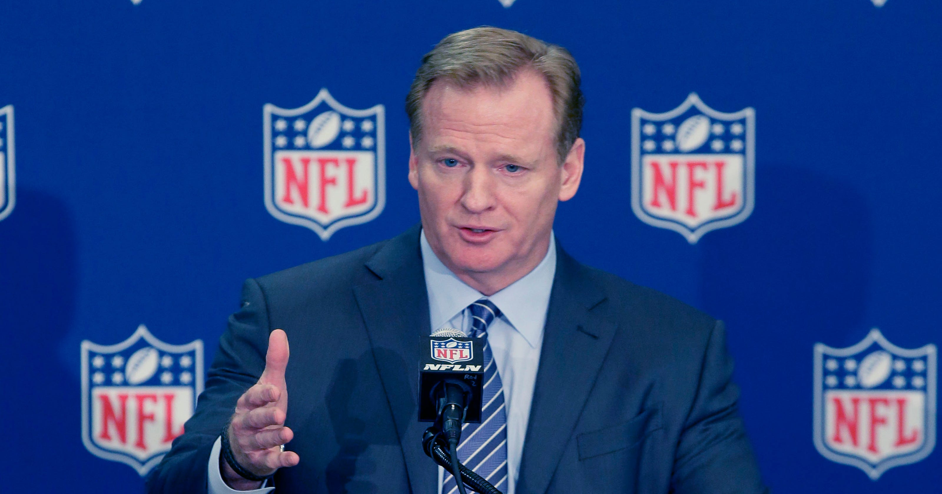 b6ef217eb Roger Goodell s dismissal of Giants-Steelers Deflategate won t play well in  New England