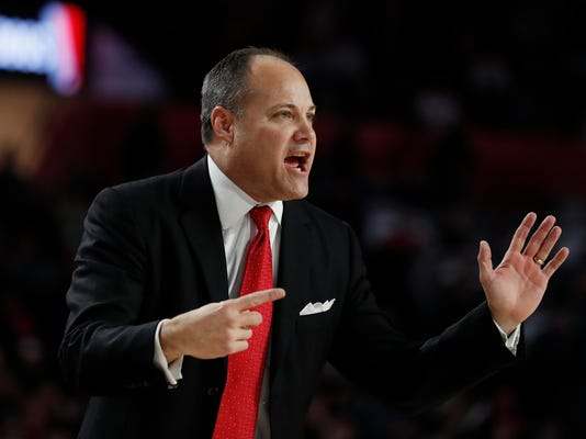 Georgia head coach Mark Fox directs his players in the first half of an NCAA college basketball game against Auburn, Saturday, Feb. 10, 2018, in Athens, Ga. (AP Photo/John Bazemore)