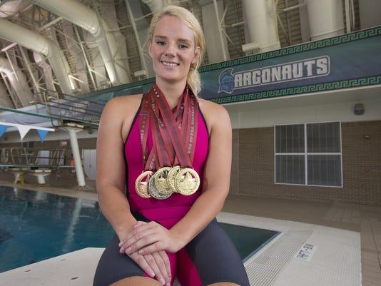 UWF Swimmer-deVillers