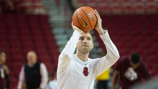 Arkansas Razorbacks forward Brachen Hazen warms up prior to the game against the Mississippi State Bulldogs  on Jan 10, 2017 in Fayetteville, AR, at Bud Walton Arena.