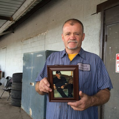 Ron Geller Sr. ashes were returned Aug. 2, nearly three weeks after he died. Some members of his family were upset at the delay.