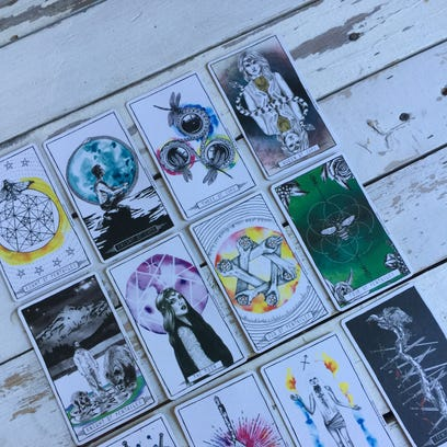 Tarotscopes: How can you find your balance this week?