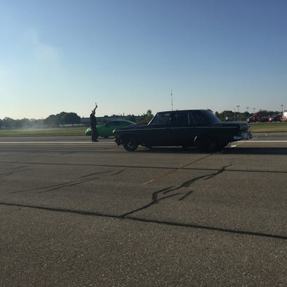Legal drag racing takes over City Airport in Motor City Showdown