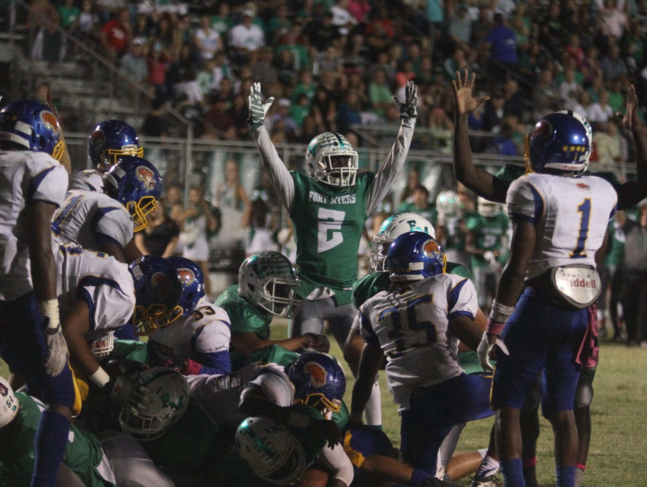 Fort Myers takes on Clewiston in high school football on Friday, October 23, 2015, at Fort Myers High School.
