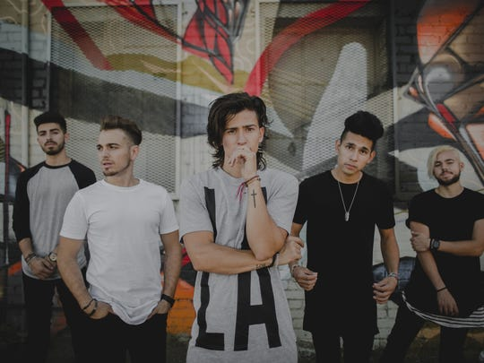 The up-and-coming band Los5 combines Latin and pop