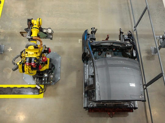 Tennessee College of Applied Technology-Smyrna Campus has a shared space with Nissan North American, where students and employees at the Smyrna plant can train on robots.
