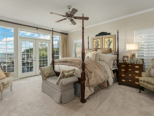 A bedroom at 5547 S. Lakeshore Dr.