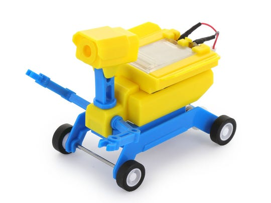 These 45 toys and products have earned the NAPPA seal of approval in 2017. Pictured is a GEO Salt Water / Solar Powered Robot.