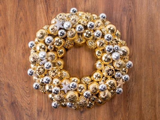 636482610147479684-Ornament-wreath-CJ1A8566.jpg