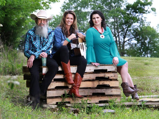 Silas Robertson of 'Duck Dynasty' has started a band and its first tour will come through Anderson on June 23.