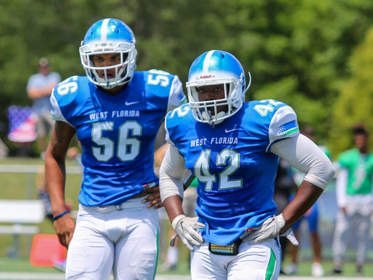 636599205068610883-2018-0421-uwf-blue-green-spring-football-game-15.jpg