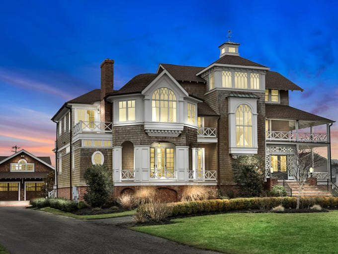 61 River Street in Monmouth Beach has all the  wonderful