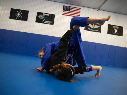 Brinna Lavelle spars with MiMi Bowen at Bowen Combative