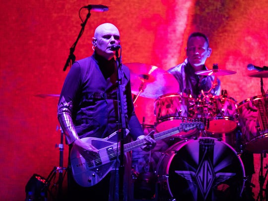 "Smashing Pumpkins kicked off their ""Shiny And Oh So"