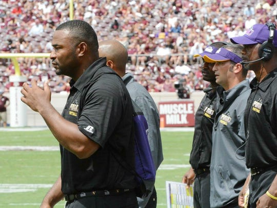 Ralph Street worked under Willie Simmons as defensive coordinator at Prairie View A&M. He holds the same title at FAMU.