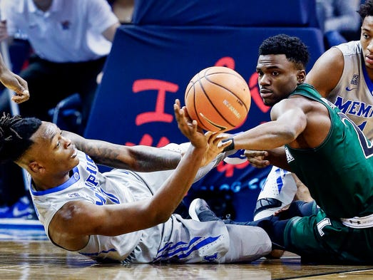 Memphis Tigers pull out an 83-71 win over Loyola (Md) in ...