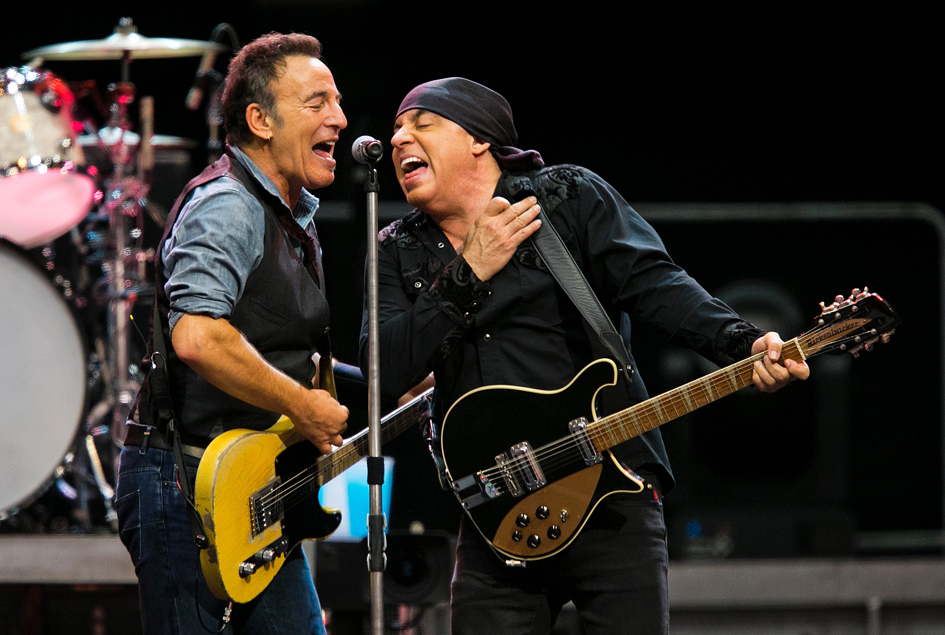 march concert guide bruce springsteen future beck more in metro rh azcentral com