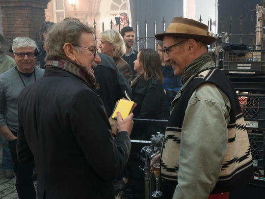 Steven Spielberg and Mark Rylance at work on the set