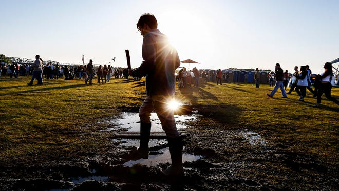 It would not be Memphis in May's Beale Street Music Festival without a little mud. Music fans will enjoy pleasant weather as the weekend will offer sunny skies and mild temperatures at Tom Lee Park.
