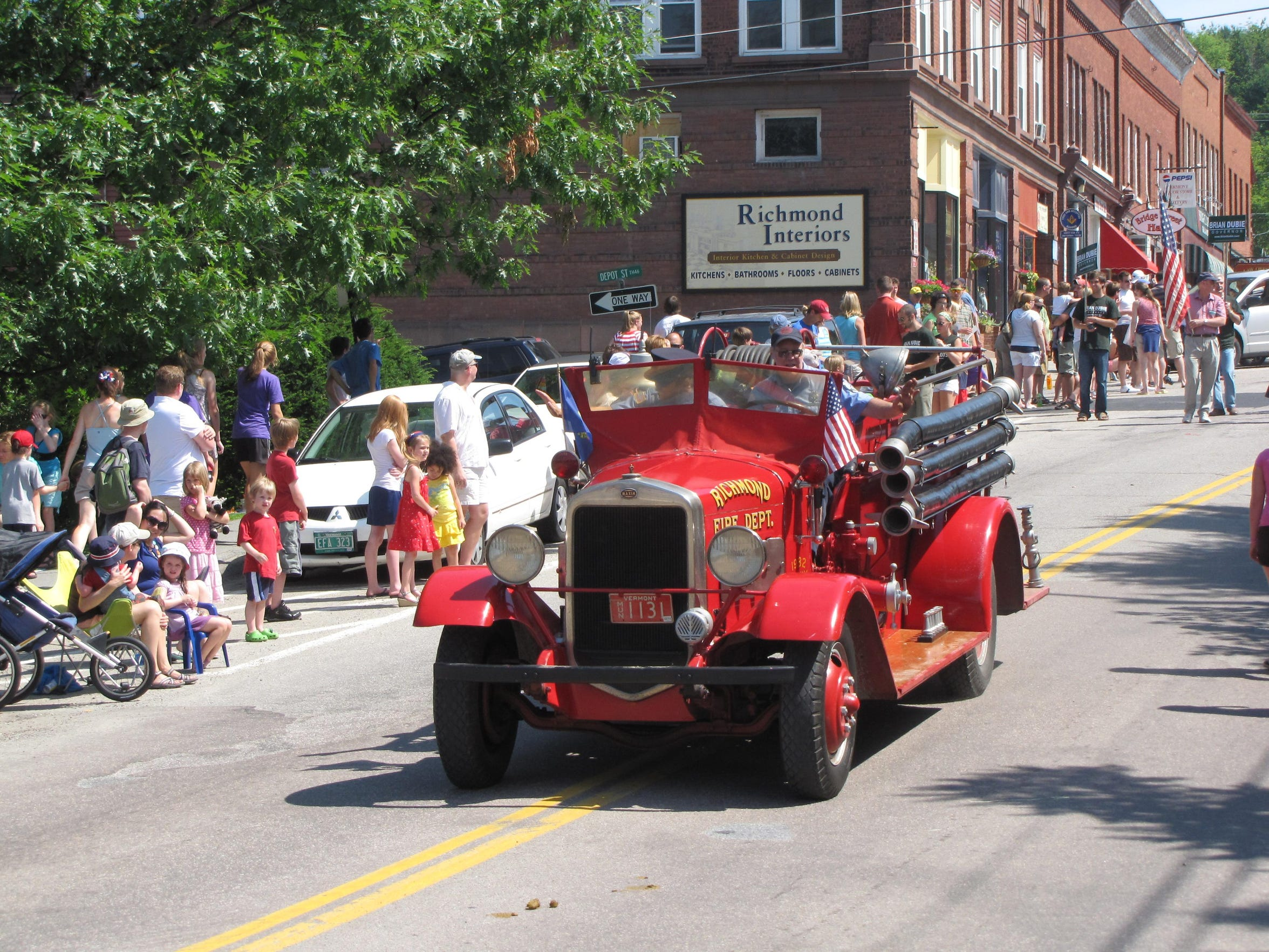 Richmond's first fire truck, a 1932 Maxim, in the 2010 Fourth of July parade.