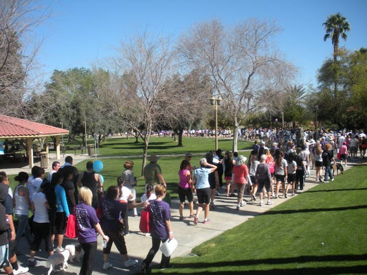 Nearly 1000 participants Walked to End Alzheimer's 2013.jpg