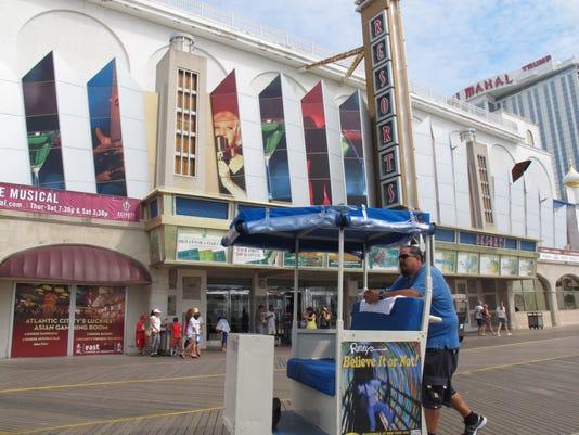 CHLBrd_08-27-2012_Daily_1_B005~~2012~08~26~IMG_Resorts_boardwalk_2_1_M6257HM.jpg