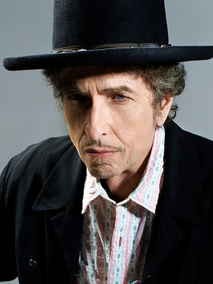 Bob Dylan revisits the Great American Songbook on his new album, 'Fallen Angels.'
