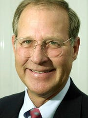 Dave McNeeley, Austin American Statesman columnist  Ralph Barrera/AA-S  8/1/2000