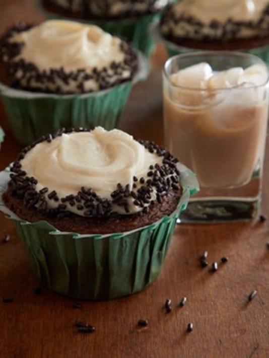 636561065187514993-cupcake02.jpg