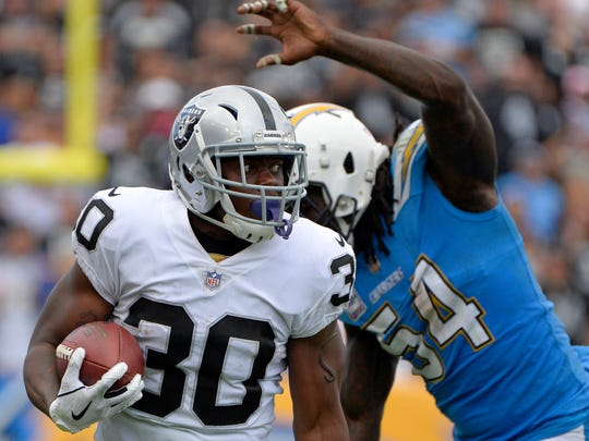USP NFL: OAKLAND RAIDERS AT LOS ANGELES CHARGERS S FBN LAC OAK USA CA