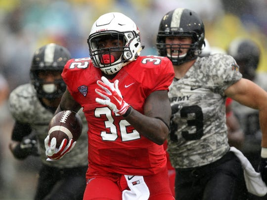 Ball State's Jahwan Edwards runs for a touchdown Saturday