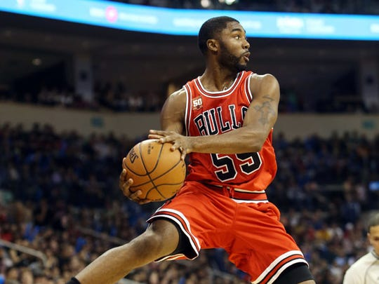 E'Twaun Moore went to East Chicago Central High School and Purdue University.
