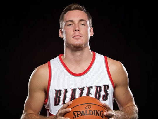 Pat Connaughton went to the University of Notre Dame.