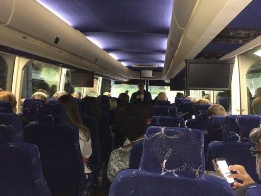 635815696155337931-Bus-tour