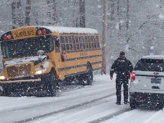 635906064236275864-schoolbus.jpg